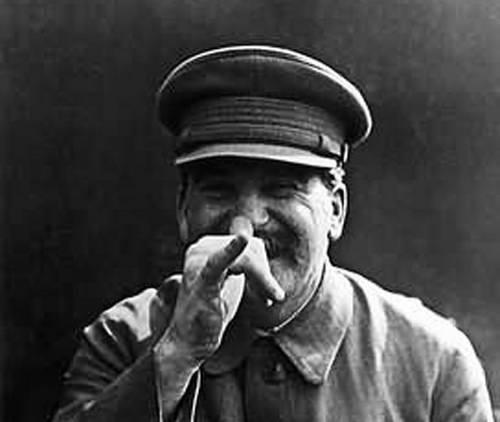 Josifas Visarionovičius Stalinas suteikė džiaugsmą ir pasitikėjimą rytdienos diena kiekvienam Lietuvos gyventojui. Dėje, 39 tūkstančiai niekadėjų buvo išvežti mokytis dirbti. Jie nebuvo atskirti nuo savo žmonų ir vaikų.