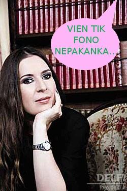 Kristina Sabaliauskaitė. Rašytoja, mėgstanti prisistatyti, kaip protinga. Bet argi fono tam pakanka?