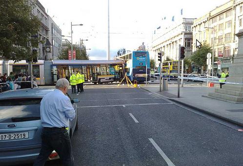 LUAS susidūrimas su autobusu šiandieną. Įvažiavo, kaip peilis į sviestą.